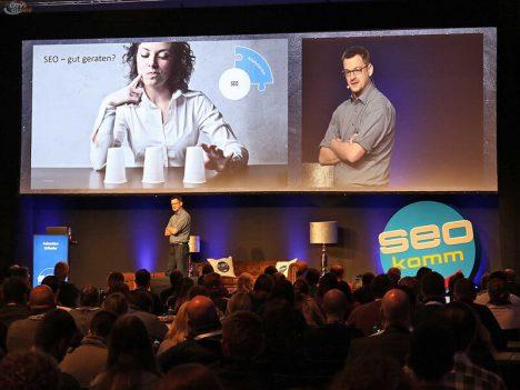 Sebastian Erlhofer redet über datenorientiertes SEO