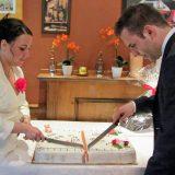 Anschneiden der Torte. Natürlich zu zweit...
